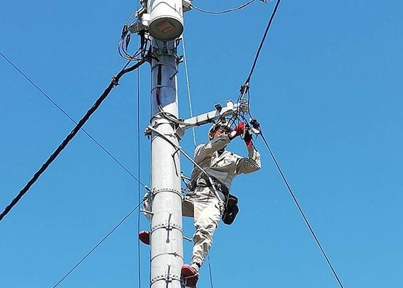 ■ 電柱引込線工事