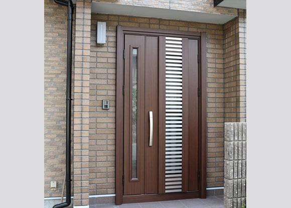 ■ 玄関ドア1日交換工事